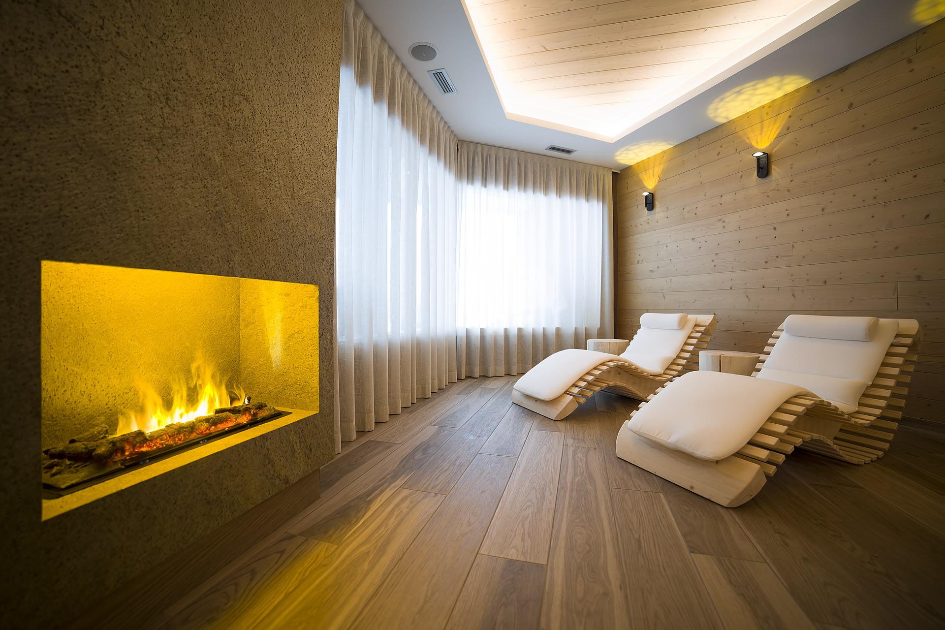 RELAX WITH FIRE <br> HOTEL REGENT'S - ANDALO