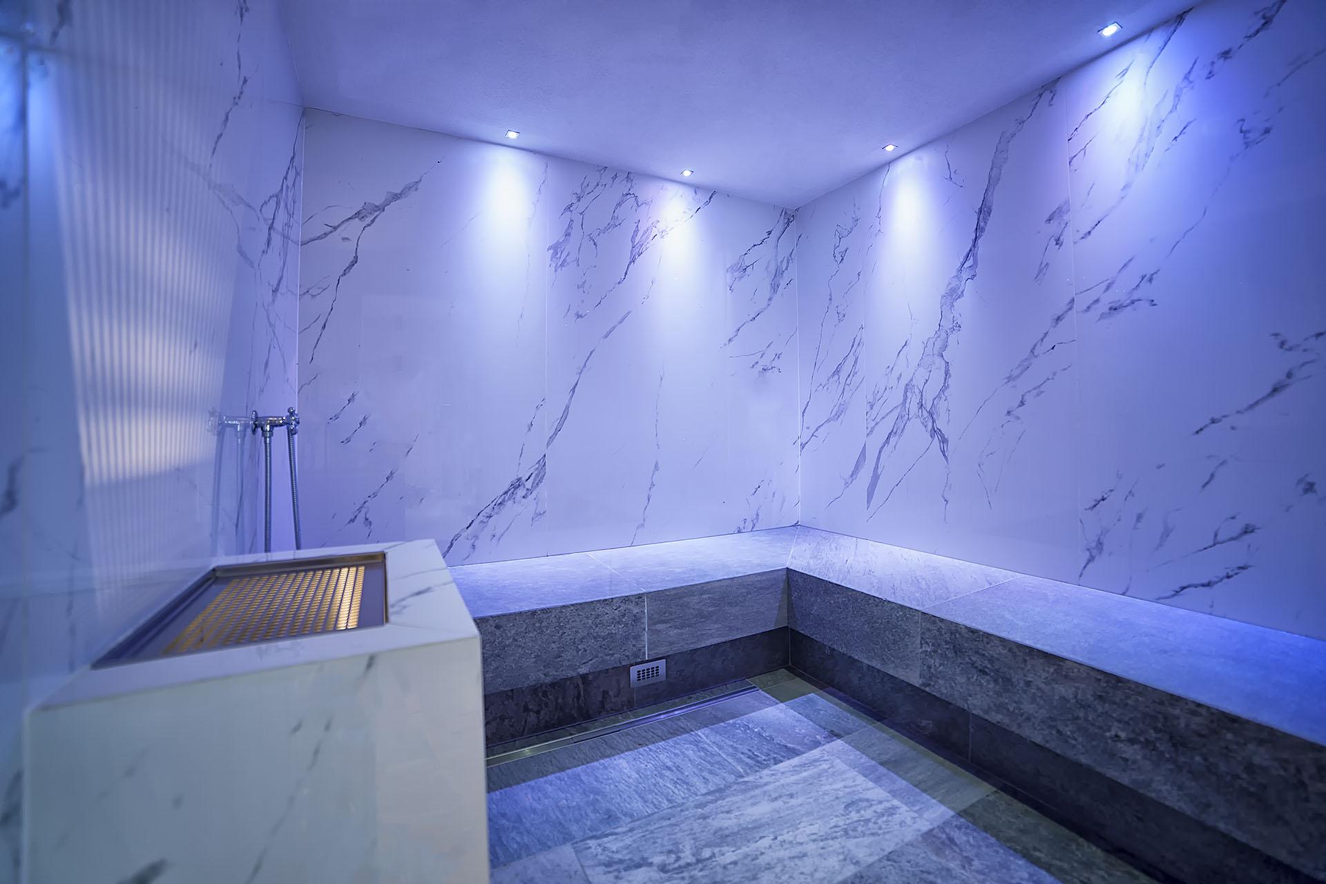 TURKISH BATH <br> HOTEL BURGAUNERHOF - VAL MARTELLO