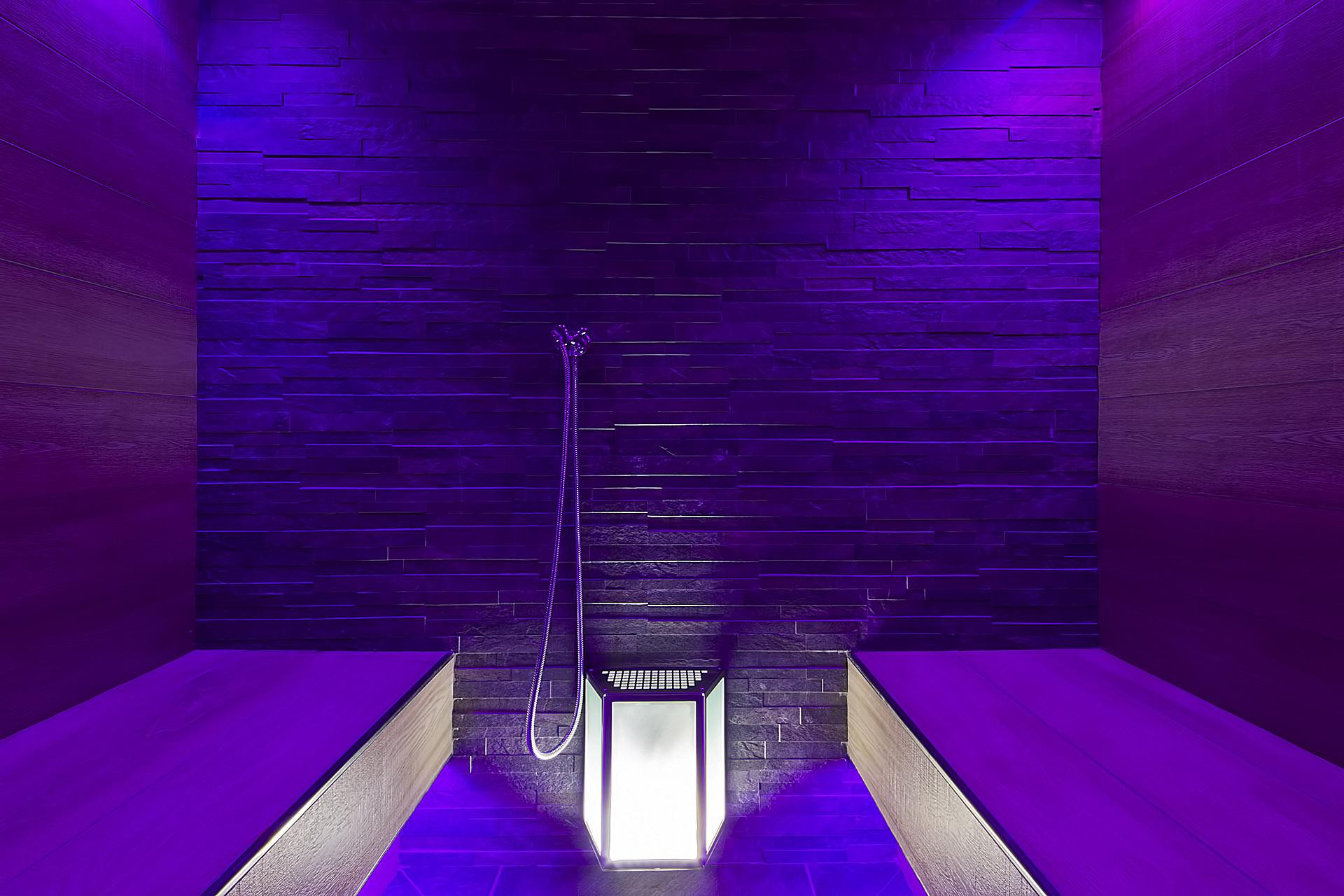SMALL TURKISH BATH <br> HOTEL AMBASSADOR - LEVICO