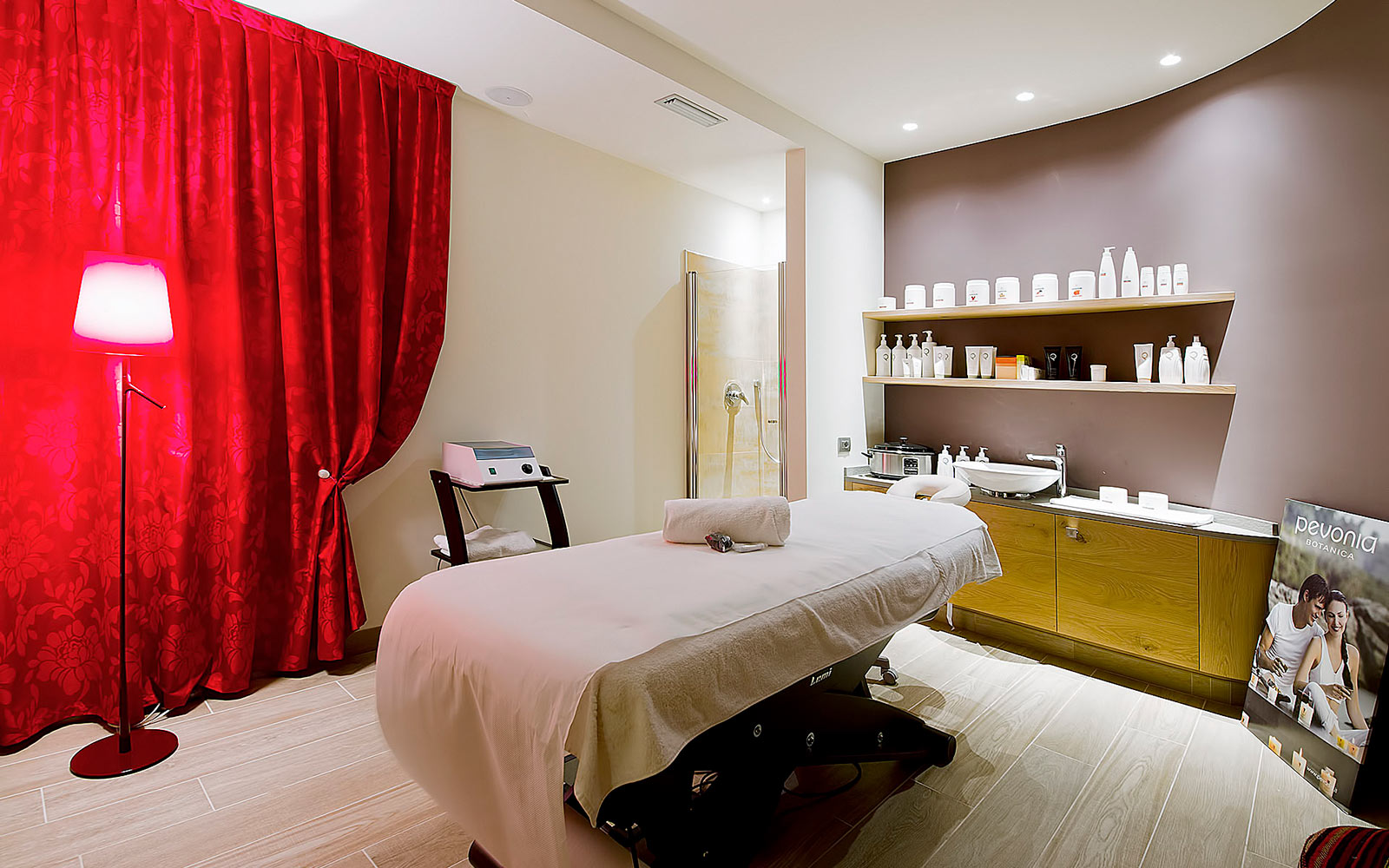 BEAUTY TREATMENTS<br>HOTEL AMBASSADOR - LEVICO