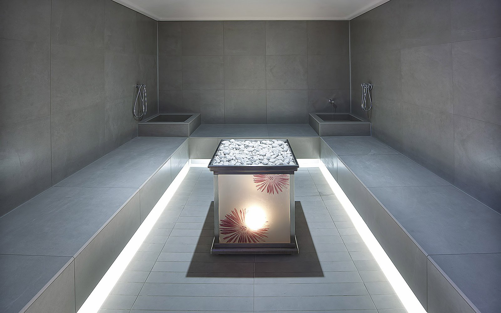 TURKISH BATH <br> HOTEL LE GROTTE - GENGA