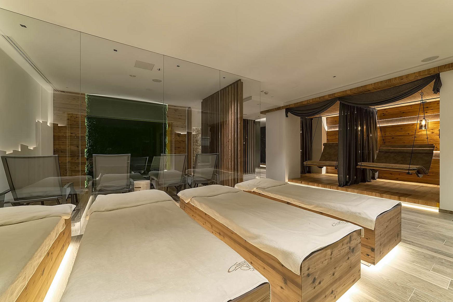 HAY RELAX<br /> HOTEL SHANDRANJ - LOC. STAVA (TN)