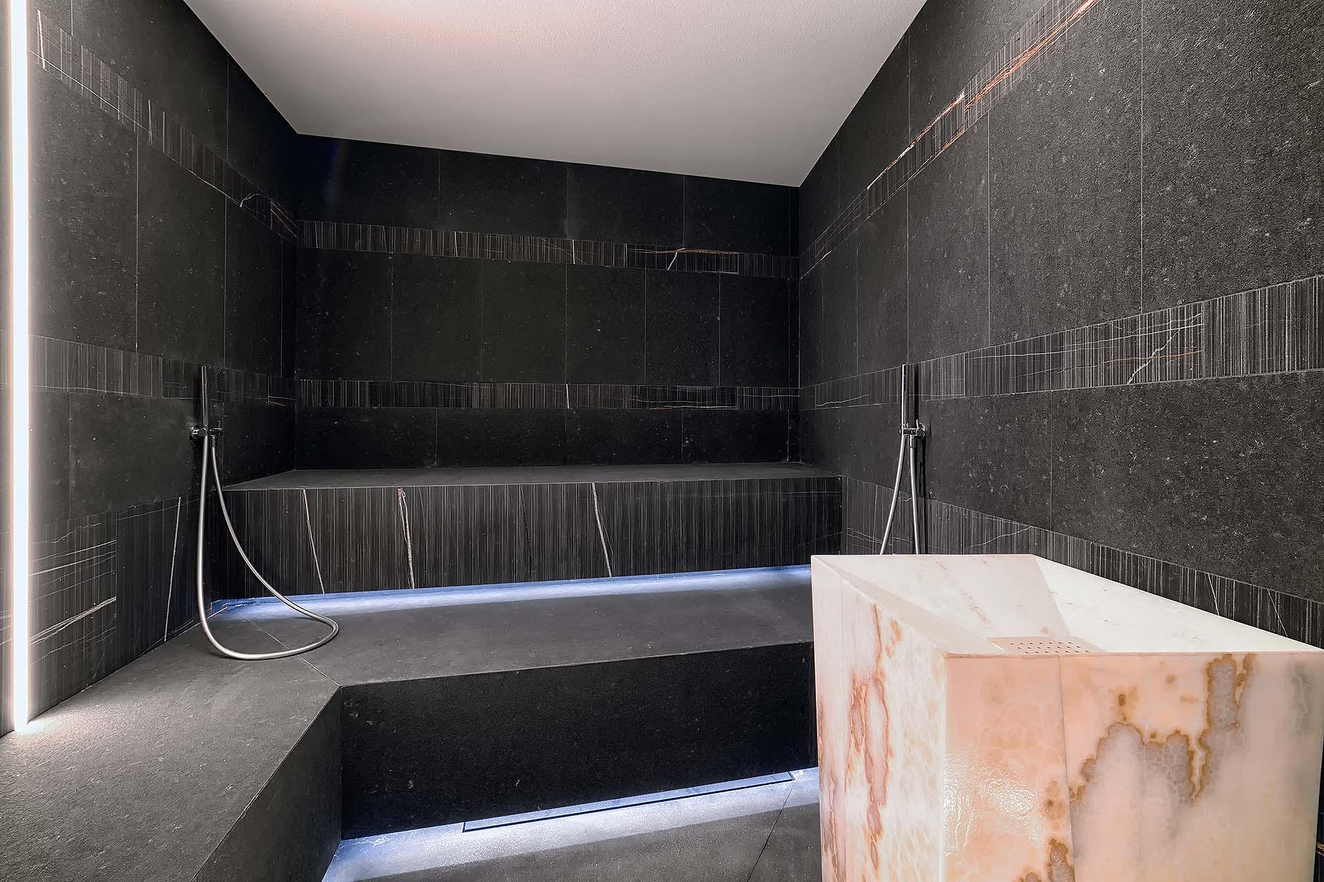 BAGNO TURCO <br> SHOW ROOM SANAE - SEGA DI CAVAION (VR)