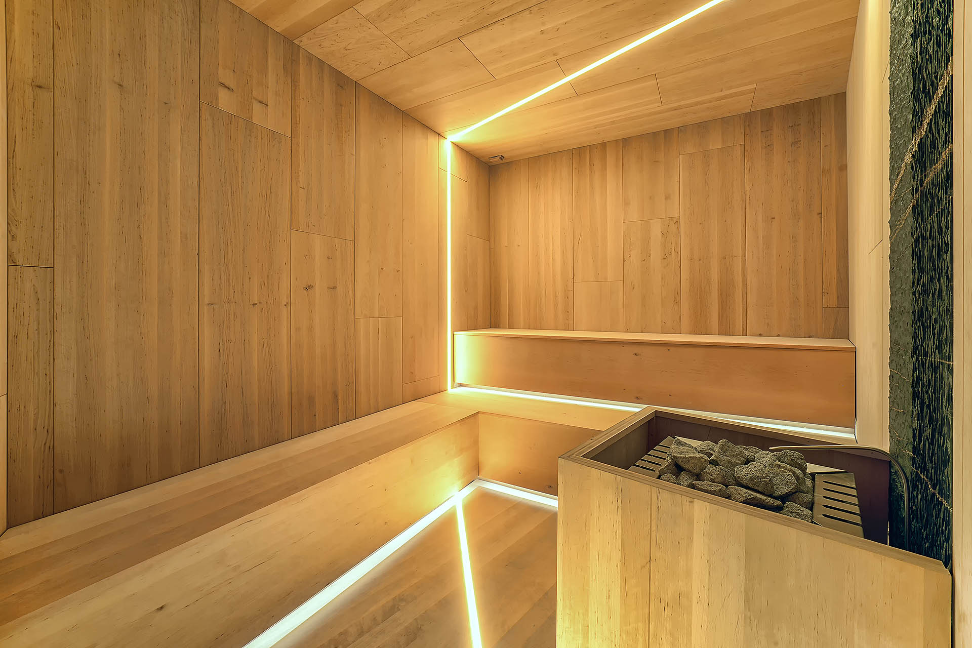 SAUNA FINLANDESE <br> SHOW ROOM SANAE - SEGA DI CAVAION (VR)